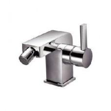 Смеситель для биде, однорычажный, с донным клапаном 11/4, с керамическим картриджем, высота 146 мм, вынос излива 122 мм, цвет хром Арт. 1801300