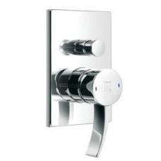 Смеситель для ванны, внутристенный монтаж, однорычажный, в комплекте с внутренней частью, автоматическое переключение душ/ванна, цвет хром Арт. 1802102